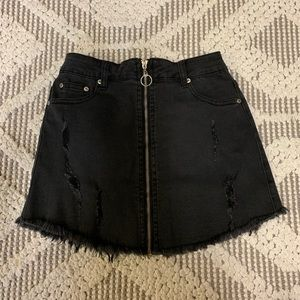 Laura's Boutique Black Denim Skirt Size Small